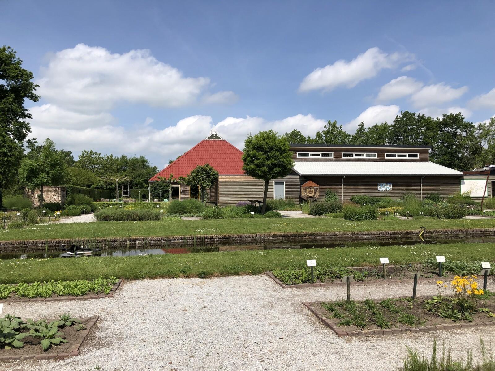 De Kruidhof hortus van Fryslân in Buitenpost